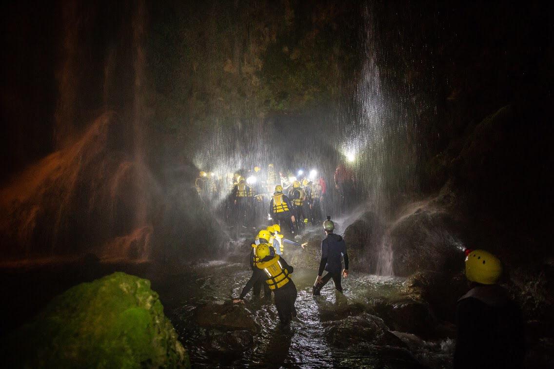 River walking notturno sotto la cascata delle Marmore