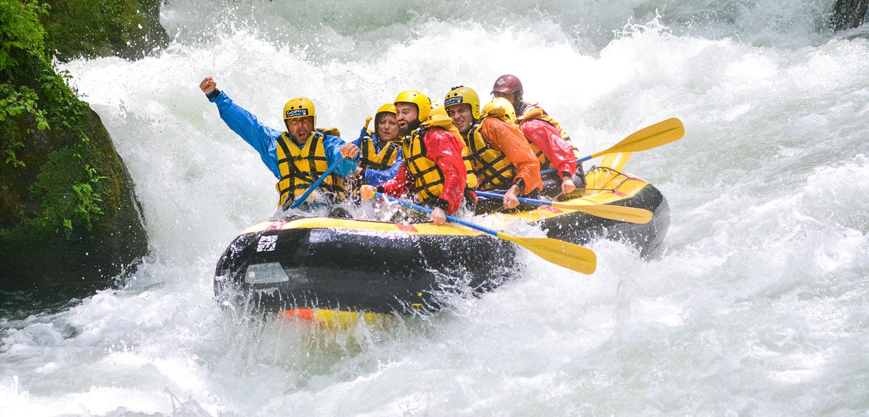 Rafting in Umbria sotto la cascata delle Marmore