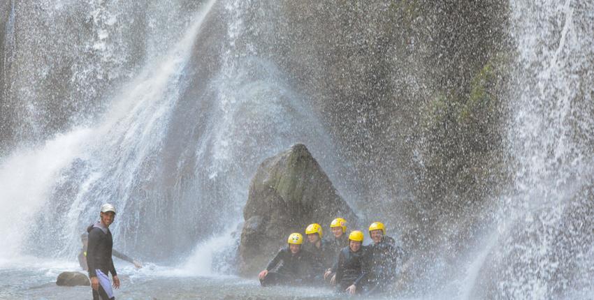 river walking sotto la cascata delle marmore