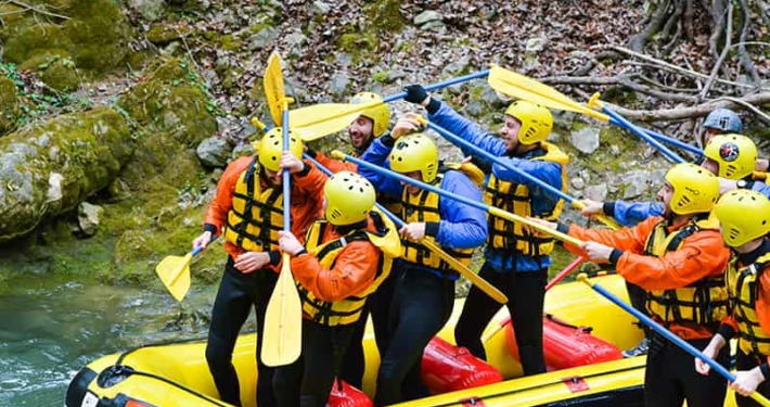 gran divertimento durante rafting in umbria