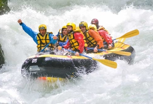 divertimento e adrenalina rafting in umbria