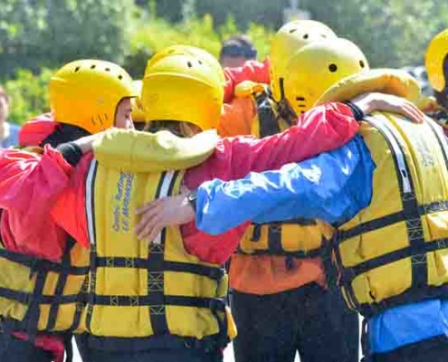 team building a rafting marmore